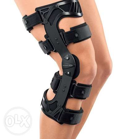 ACL brace right knee Size L