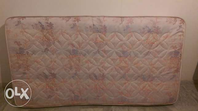 Bed mattress clean 2m x 1.1m great condition