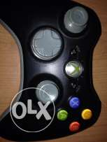 Manette xbox 360 for sale in perfect condition + a free cover