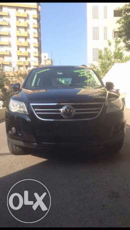 Volkswagen Tiguan 2011 (SEL) 4motion,no accident,clean carfax,F.O.