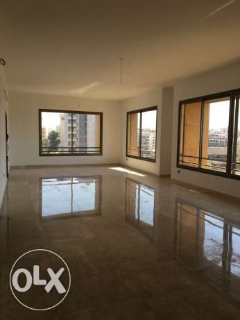 Jnah: 475m apartment for rent.
