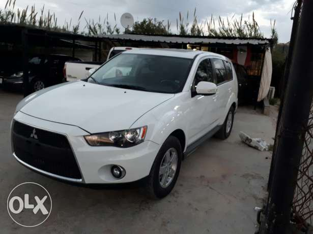 Mitsubishi outlander full options low mileage
