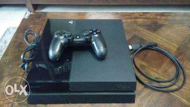 Playstation 4 in PERFECT condition