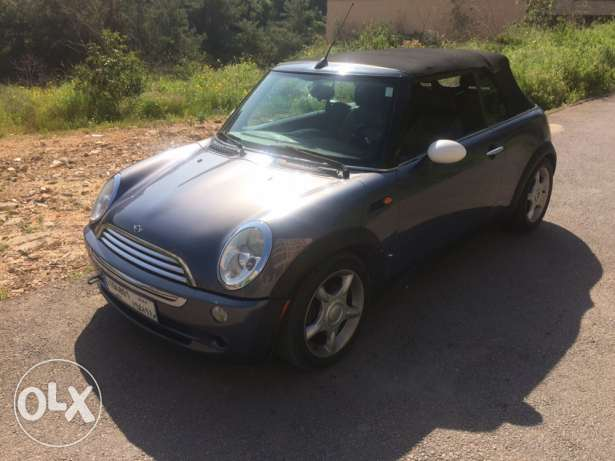 2005 mini cooper convertible 68000miles super clean car low mileag