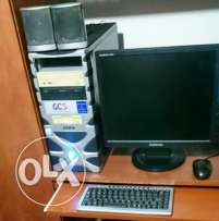 Desktop samsung full with ups and full sterio