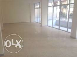 NH138 Office for rent in Ras El Nabeh, 300 sqm, 7th floor.