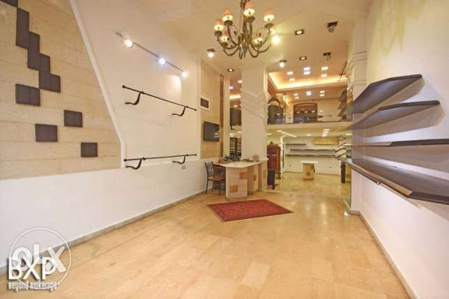 148 SQM Retail-Shop in Ras Beirut-Hamra,RE5955.
