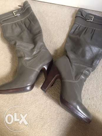 Size 39 Grey boots