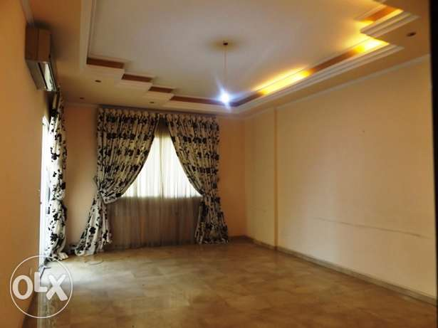 AP1545: 3 Bedroom Apartment for Rent in Ain al-Tineh, Beirut