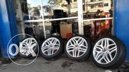 Size tires 275/40/22 Rims 22 ROVER Price 550$ Location tripoli wahach