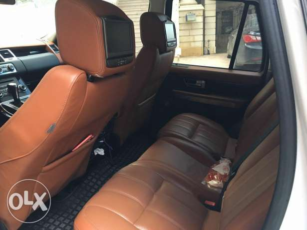 Range rover 2011 luxury