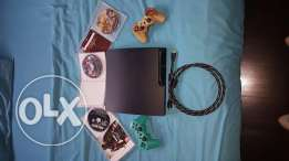 Ps3 for sale 2 controllers wa7de minnon god of war edition ma3 waslet