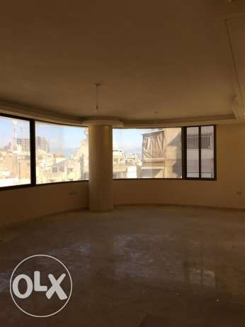 Zareef: 200m apartment for rent مصطبة -  2