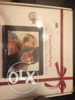 Digital Photo Frame LG /Was 117$ Now 70$