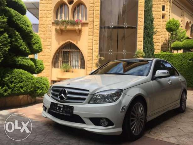 Mercedes Benz C230 Model 2009 AMG Look in excellent condition