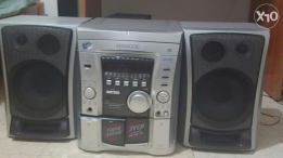 Kenwood Stereo (powerful sound, perfect condition)