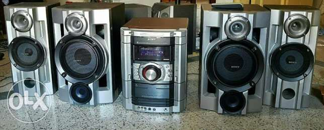 Sony stereo 5pcs great condition fully functional
