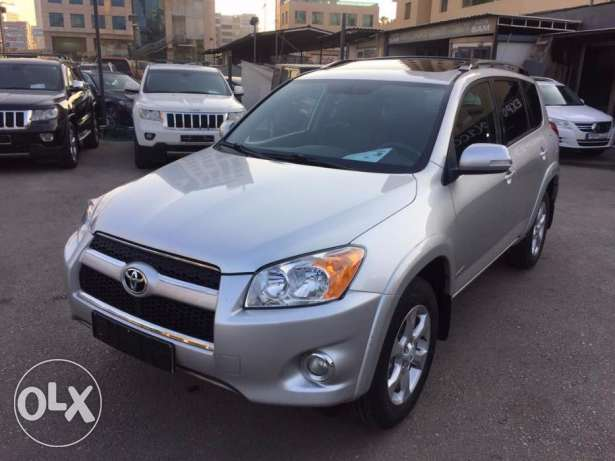 2009 Toyota Rav4 LIMITED 4WD Clean carfax One owner !