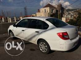 White Renault symbol for sale in very good condition