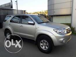 Toyota Fortuner MY10