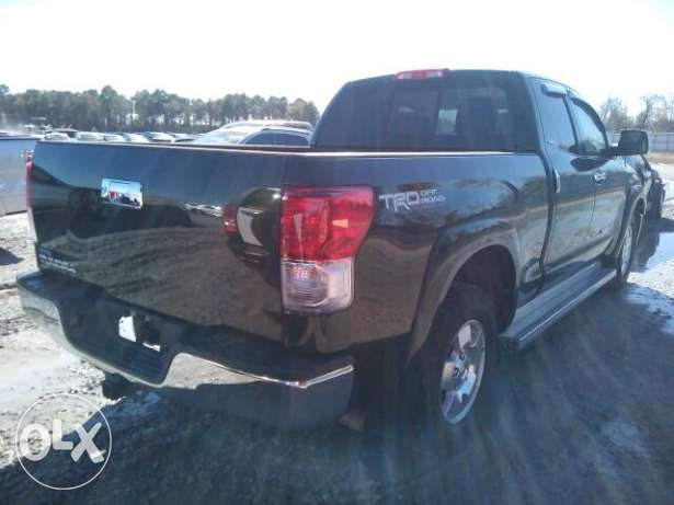 Toyota Tundra 2012- 4.7 L engine. 2WD. as new 22k negotiable or trade المرفأ -  5