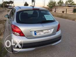 Peugeot 207 (immaculate car)