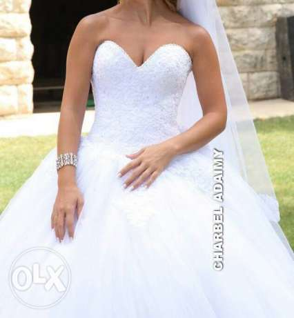 wedding dress and scarve and bride's maids 3 sizes for rent أشرفية -  2