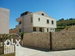 villa for sale / fourzol / bekaa /