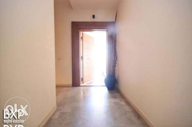 200 SQM Apartment for Rent in Beirut, Raouche AP5090