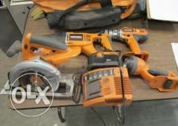 RIDGID USA Tool Combo Kit 5 Piece (like new)