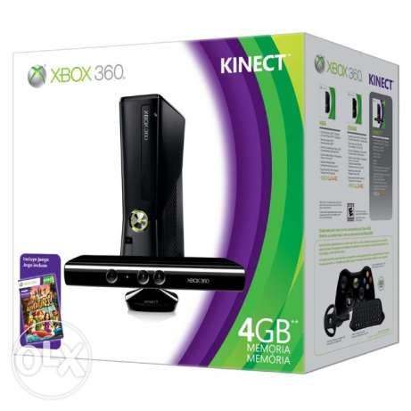 Xbox 360 with Kinect + 2 Controllers + 3 Games