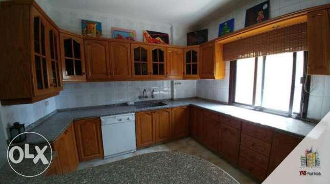 Ballouneh 220m2 - partly furnished - excellent condition -