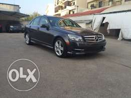 mercedes c300 very clean (18000 miles) big navigation