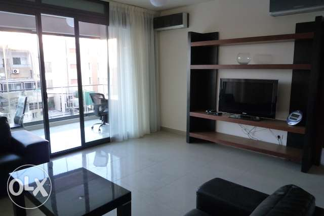Furnished 2 bedrooms in Hamra + parking أشرفية -  5