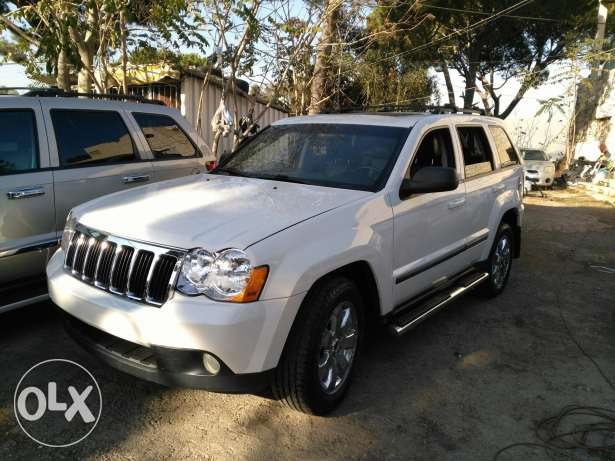 jeep grand chirockee 2008 _8 cylinder 4'7 clean carfax عاليه -  1