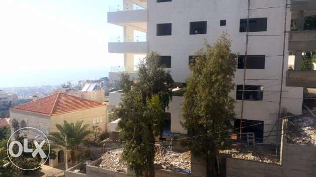 240 m2 apartment + 230 m2 garden for sale in Rabieh / Rabwe (sea view)