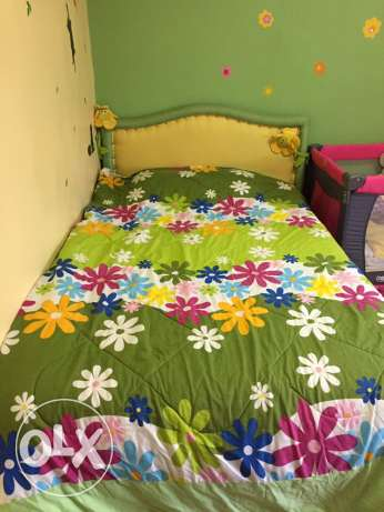For sale  Bed + Curtain + baby park