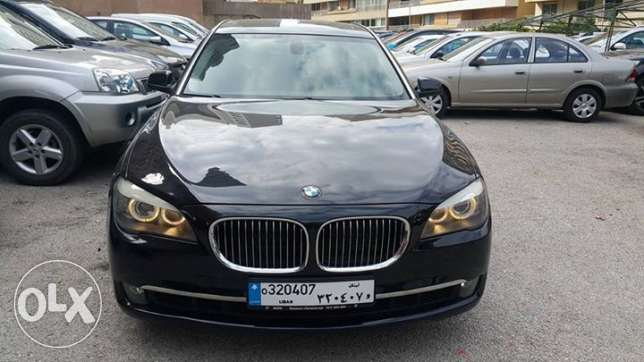BMW 740 New Look 2009 full مصدر الشركه no accidents one owner V6 perfe