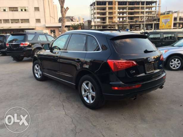 Audi Q5 2.0T 2011 Black/Basket Fully Loaded Clean Carfax Like New! بوشرية -  2