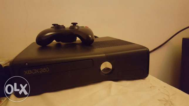 xbox 360 with 80 games جديدة -  1