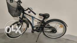 B Twin city Bicycle w/ rack and attachment