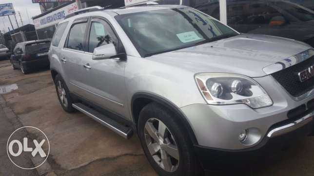 a very clean GMC Acadia معروف سعد -  2