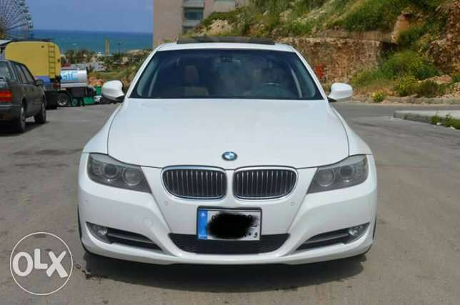 BMW 335I look M // 2009 // Fully LOADED, like NEW !!