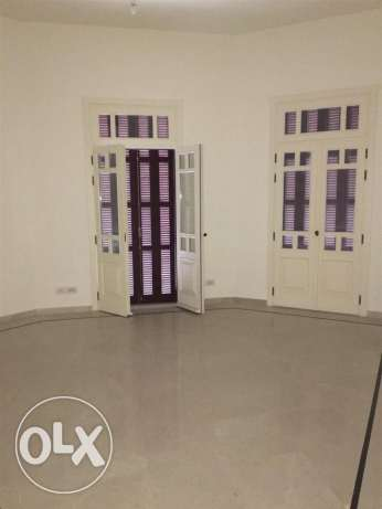 Clemenceu: 233m apartment for sale ميناء الحصن -  2