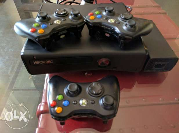 XBOX 360 version 3.0 with 3 joysticks المرفأ -  3