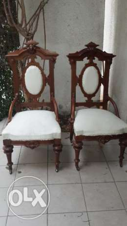 2 chairs antique style victorian