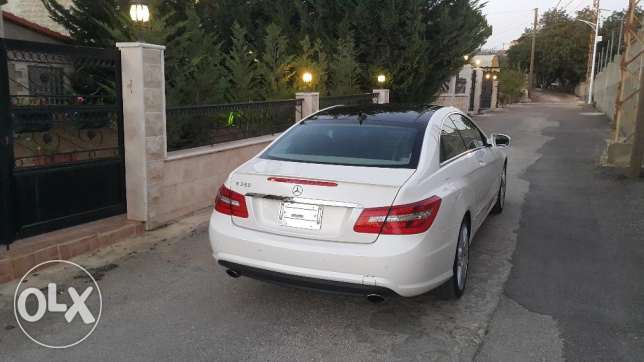 Mercedes e 350 coupe 2010 ajnabiyi amg line color pearl white loulou أشرفية -  4