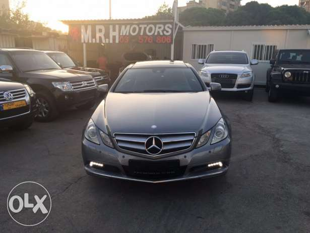 Mercedes E250 Gray/Red 2010 Fully Loaded in Excellent Condition! بوشرية -  3