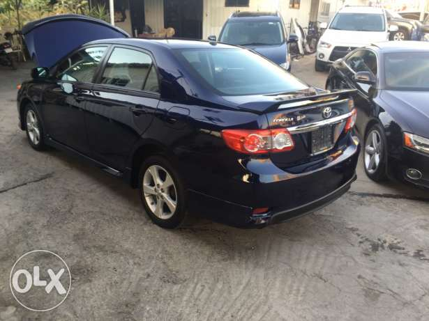 toyota corolla S LOW MILEAGE like newww سن الفيل -  5