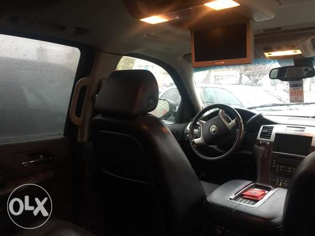 2008 Escalade fully loaded DVD Navigation7 seats *Today Arrival* البقاع الغربي -  7